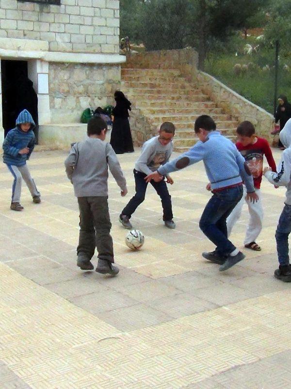 Abna Ashaam - Playground
